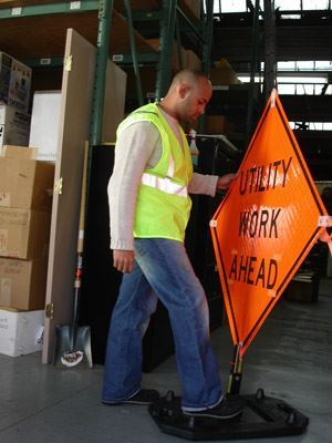 Rubber Base vs. Telescopic Roll Up Traffic Sign Stands
